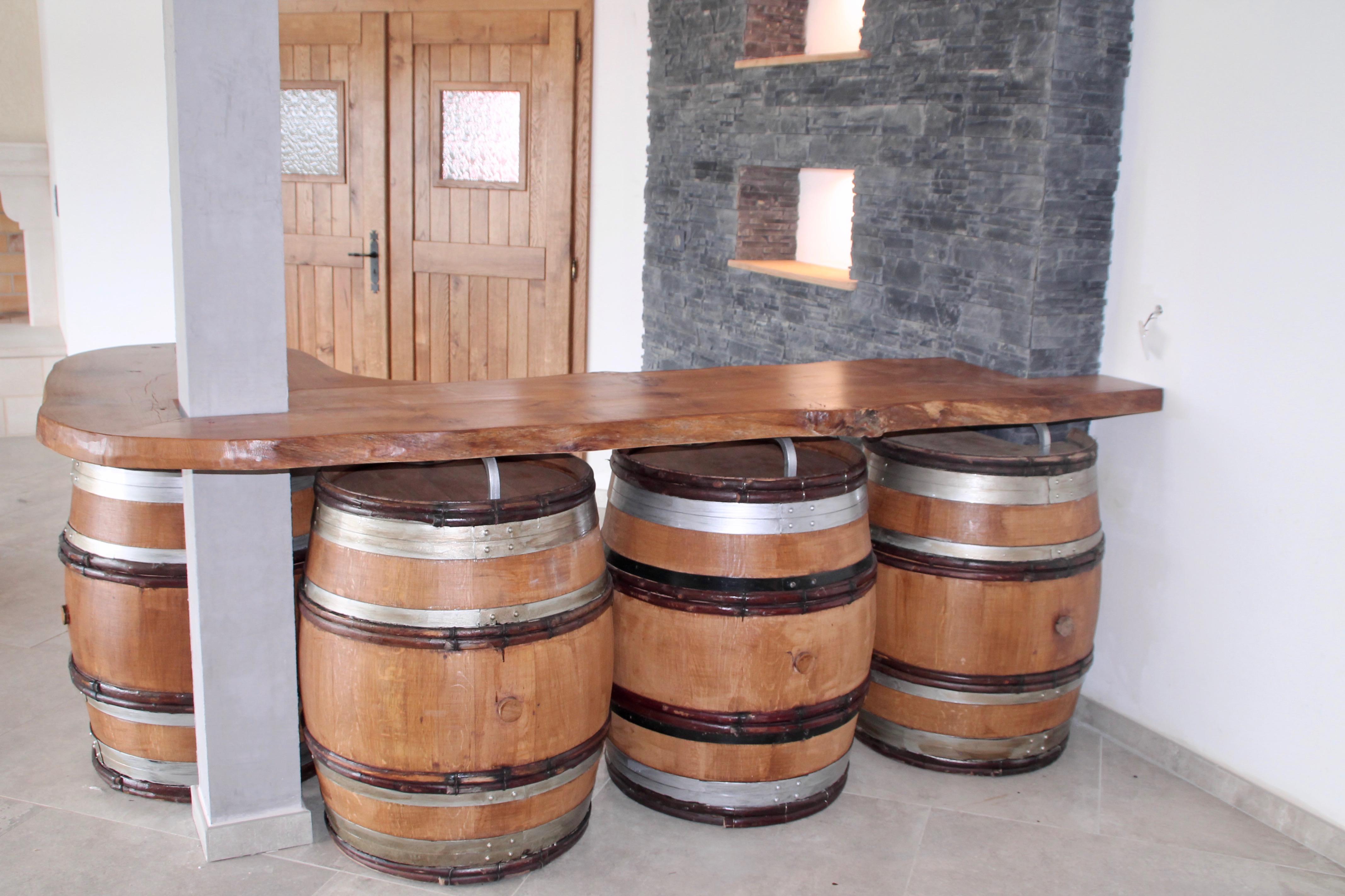 Bar en chêne sur tonneaux