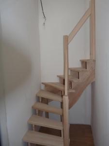 Petit escalier en chêne